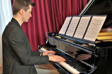 Titelbild Klaviermappe mit Ferdinand Maurer